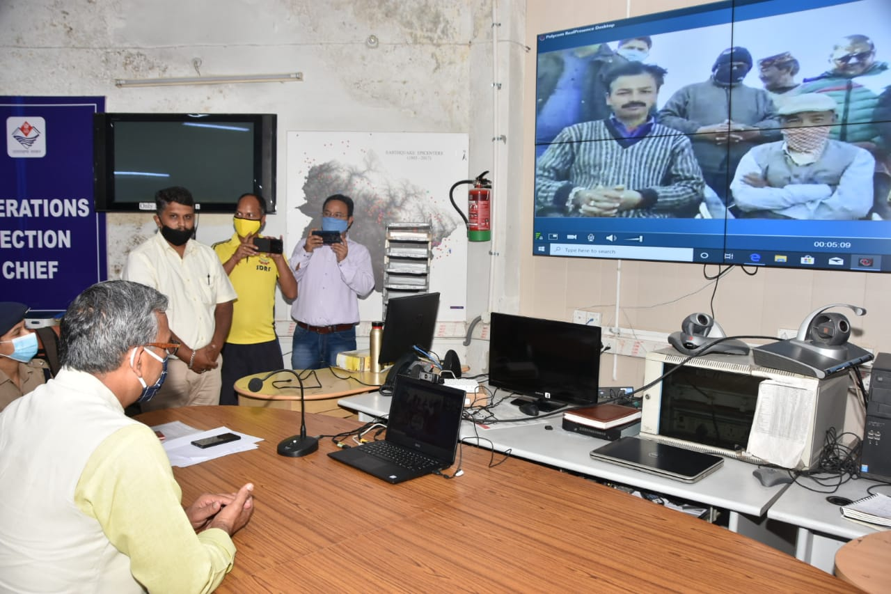मुख्यमंत्री ने QDA प्रणाली से सम्पर्क कर अति दुर्गम क्षेत्र के ग्रामीणों से बातचीत की