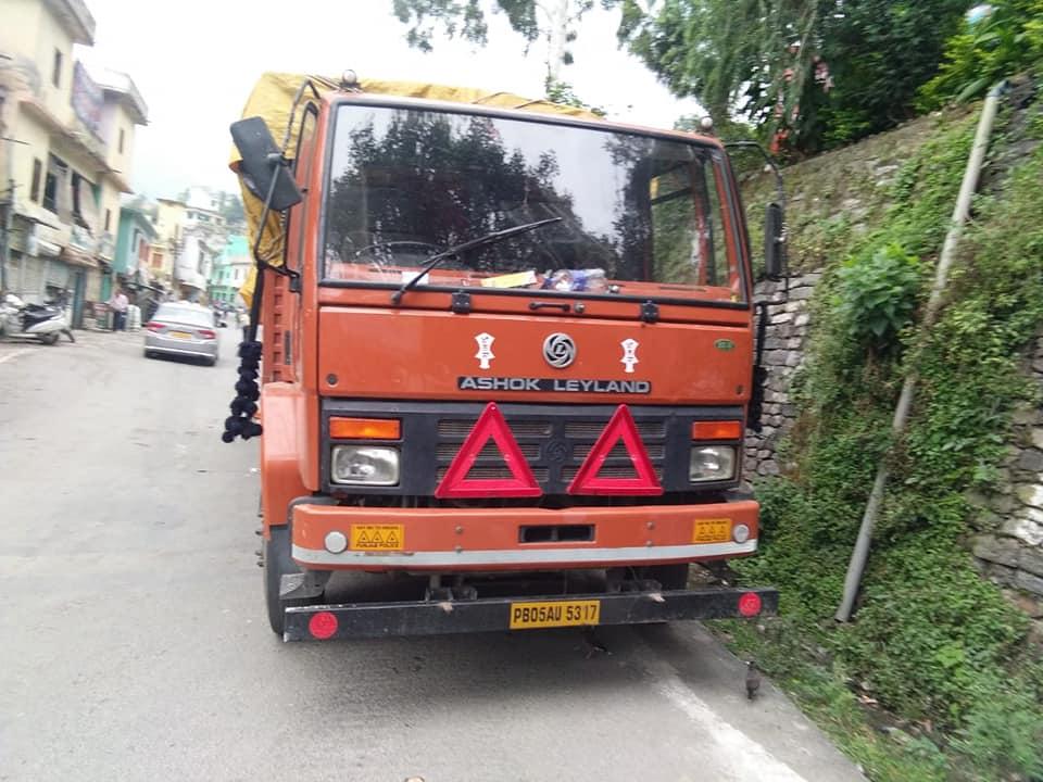 उत्तराखंड : 450 पेटी शराब से लदा ट्रक हुआ गायब, खोज में जुटी पुलिस प्रशासन