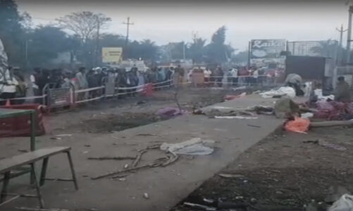 गुजरात में फुटपाथ पर सो रहे लोगों को डंपर ने कुचला, 15 मौत