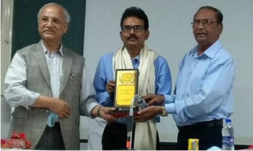 जीबी पंत विश्वविद्यालय के दो वैज्ञानिकों को मिला सर्वश्रेष्ठ पुरस्कार